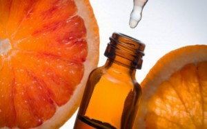 images_Foto_Articoli_rimedi_naturali_oli_essenziali_olio-essenziale-arancio-amaro-indicazioni-525x328